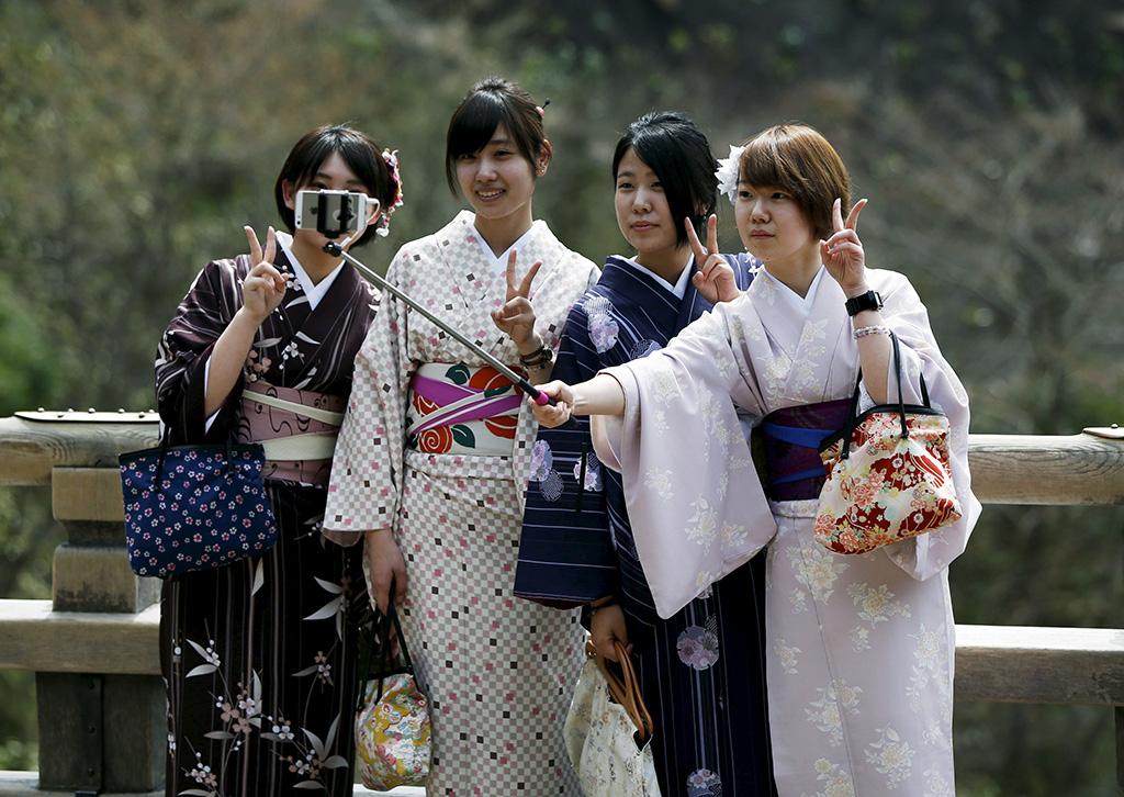 teen-life-in-japan-nikki-sleeping-nude